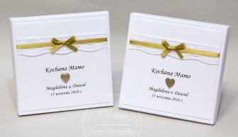 Dwa pudełka na biżuterię dla Rodziców  wzór rustykalna koronka ze złotą wstążeczką - 0